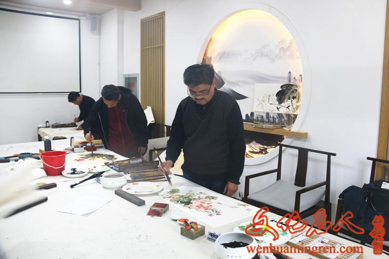 国画家解晓方创作国画作品